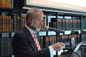 Thomas Fasbender bei seinem Vortrag